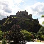 Henkilökohtainen tuki – broker – auttaa palvelun käyttäjää Skotlannissa