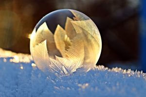 Creative Commons CC0 https://pixabay.com/en/soap-bubble-frost-snow-bubble-1958650/